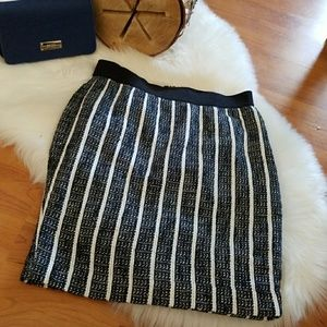Ann Taylor 6 Petite Skirt Navy Blue and White💋